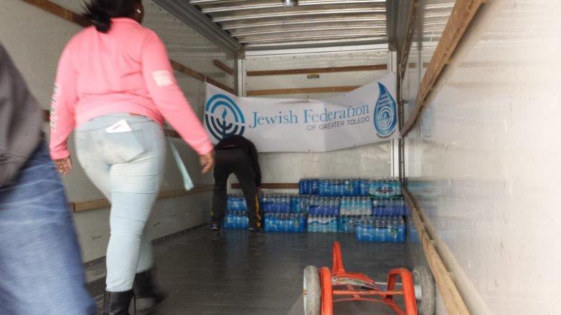 Flint Jewish Federation Water Donations 5